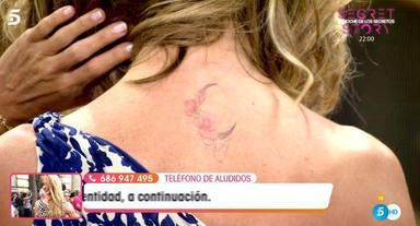 Emma García enseña su tatuaje en Viva la vida