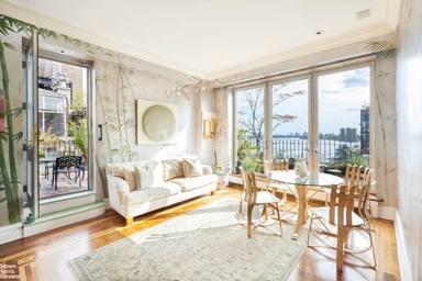 Surt a la venda el pis de Nova York on va viure John Lennon