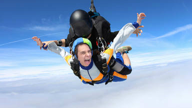 ¿Saltaría Christian Gálvez en paracaídas?