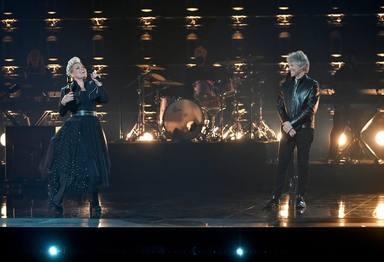 Pink junto a Bon Jovi en el escenario de los Billboard Music Awards