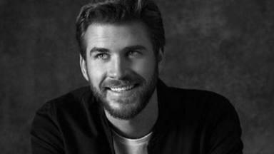 Liam Hemsworth se cuela en el Open de Tenis de Australia ¿O es su doble?