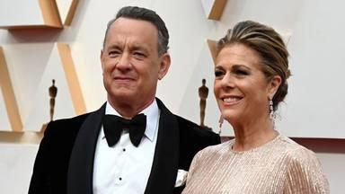 Tom Hanks y su mujer en los Oscars