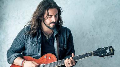 """Andrés Suárez nos dedica una canción en directo: """"Las canciones que envejecen bien, son las de verdad"""""""