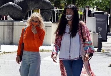 Eugenia Martínez de Irujo y Bárbara Mirjan acuden a visitar a Cayetano con gesto de preocupación