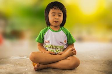 La forma més divertida d'introduir als teus fills en el ioga