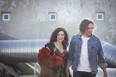 Joaquín Padilla y Chus Herranz presentan 'Baldosas amarillas', una canción con mayúsculas que te atrapará