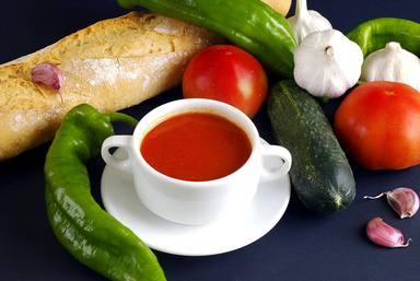 Ingredientes para hacer un gazpacho y los errores más comunes que lo pueden arruinar