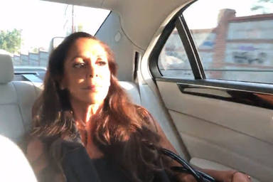 Isabel Pantoja en un coche con destino al plató de 'Supervivientes 2019: Conexión Honduras'