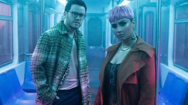 Demi Lovato y Sam Fischer hacen saltar las chispas con su nuevo tema 'What other people say'