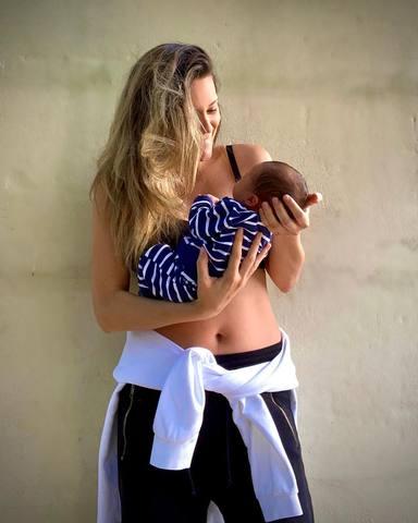 Lorena Gómez habla sobre sus experiencias en la lactancia materna