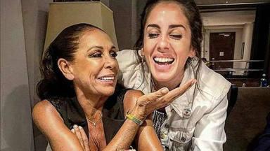Anabel Pantoja recibe la ayuda de su tía, Isabel