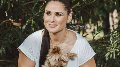 Rosa López y su mascota