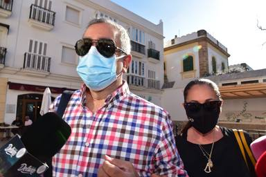 Isabel Pantoja acompaña a Agustin a los juzgados en Sevilla