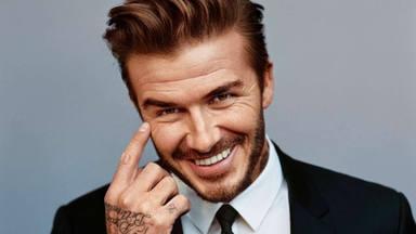David Beckham salta a la televisión de la mano de una protagonistas de 'Friends' y no es Jennifer Aniston