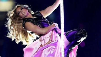 Jennifer López celebra un mes de la Super Bowl