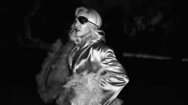 Madonna en su videoclip de Medellin con uno de los diseños de Palomo Spain