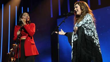 Estrella Morente y Nia durante su actuación en Operación Triunfo