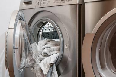 Com eliminar l'olor d'humitat de la roba
