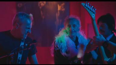 """Hombres G estrenan """"Con los brazos en cruz"""" y cuentan para el videoclip con Quique San Francisco"""