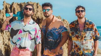 Bombai ha lanzado su nuevo disco 'Camisa de flores' justo en el momento preciso, en verano