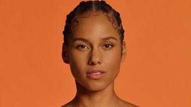 """Alicia Keys es la 'teacher' para aprender inglés con su canción """"Underdog"""""""