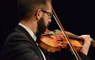 Daniel Román: el violinista de los sentimientos