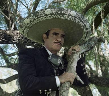 Vicente Fernández, mítico cantante mexicano, preocupa tras su ingreso hospitalario de urgencia