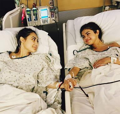 Selena Gómez en el hospital durante su transplante de riñon