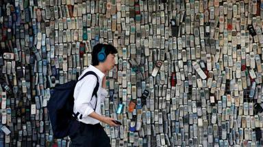 Lo que este joven no volverá a hacer con su móvil