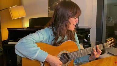 Un 'acústico' de un tema legendario es el regalo de Vanesa Martín mientras ensaya para 'Siete veces sí TOUR'