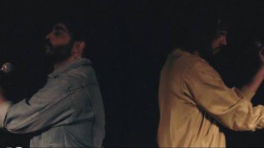 """""""Abrázame"""" es el torbellino de emociones que nos regalan Marazu y Mikel Izal"""