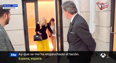 Carmen Lomana sufre un percance durante un reportaje en Espejo Püblico