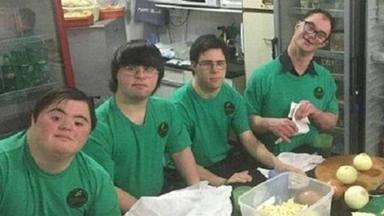 Pizzería niños Síndrome de Down