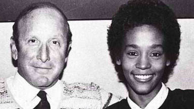 Whitney Houston y el productor Clive Davis