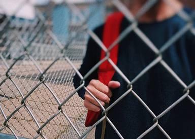 ¿Por qué los adolescentes cometen actos crueles o se juegan su propia vida?