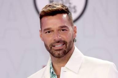 Ricky Martin sale al paso de los rumores, y da explicaciones de su comentado retoque estético en la cara