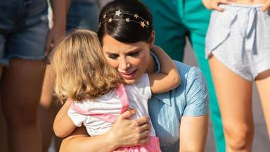 El abrazo más reparador de Manuela de Gracia a su madre Soraya