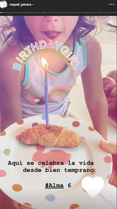 Alma Sanz Perera sopla las velas de su 6 cumpleaños