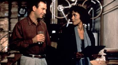 Kevin Costner y Whitney Houston en 'El guardaespaldas'