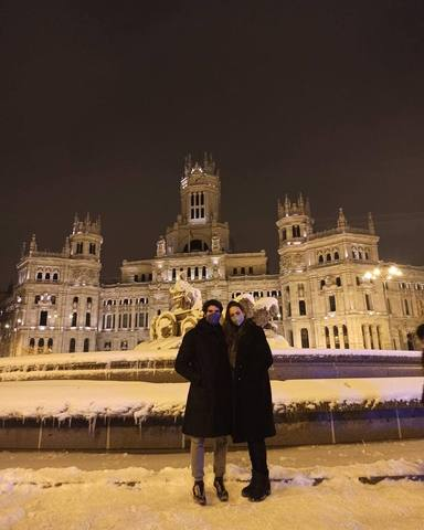 Cayetano Rivera publica una foto con Eva González después de dos años sin hacerlo