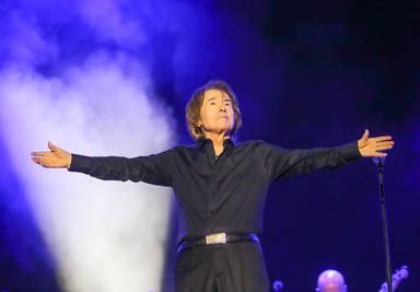 Raphael brilla con fuerza sobre el escenario del Concert Music Festival