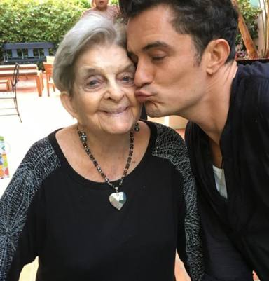La abuela de Katy Perry junto a Orlando Bloom