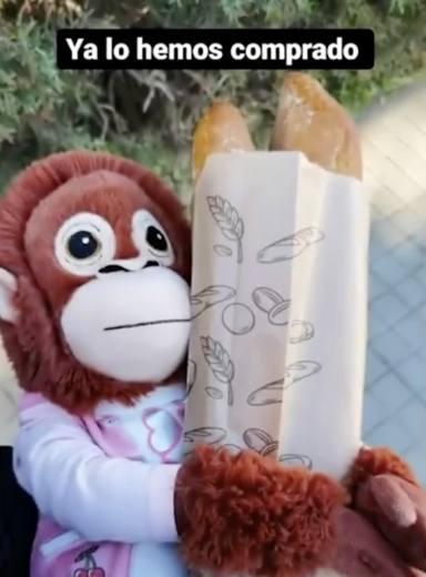 Roberto Leal enamora como padre tras su última publicación en redes de la mano de un mono de peluche
