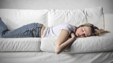 El tiempo que duermes de siesta puede avisarte de una enfermedad