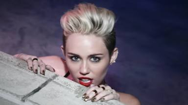 """'We can't stop' de Miley Cyrus cumple ocho años y lo celebra recordando ser la """"anti heroína favorita de Améri"""