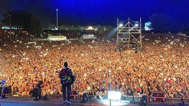Luis Fonsi sorprende a 20.000 personas con un dueto junto a Miriam Rodríguez