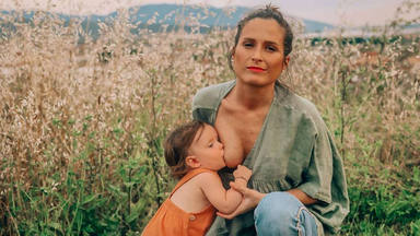 Verdeliss comparte una imagen dando el pecho a su hija y le llueven las críticas
