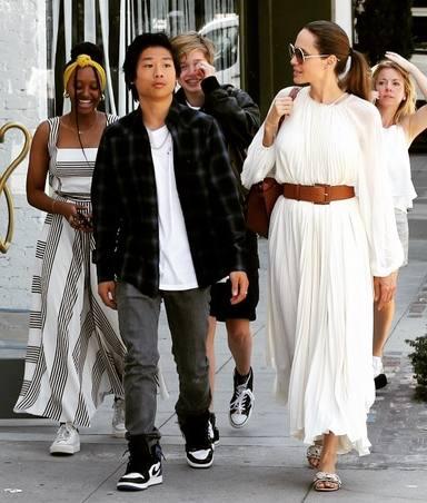 El hijo de Brad Pitt y Angelina Jolie, obligado a volver a casa por culpa del Covid-19