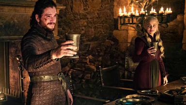 Jon Snow (Kit Harington) y Daenerys Targaryen (Emilia Clarke) en 'Juego de Tronos'