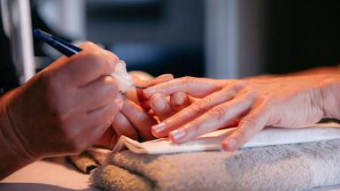 No te pintes las uñas mientras dure la crisis del covid-19